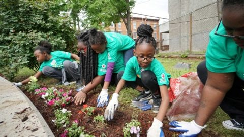 Comcast employees to volunteer in the Pittsburgh area for 16th Annual Comcast Cares Day