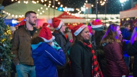 2017 Holiday Season Kicks Off With Comcast Light Up Night